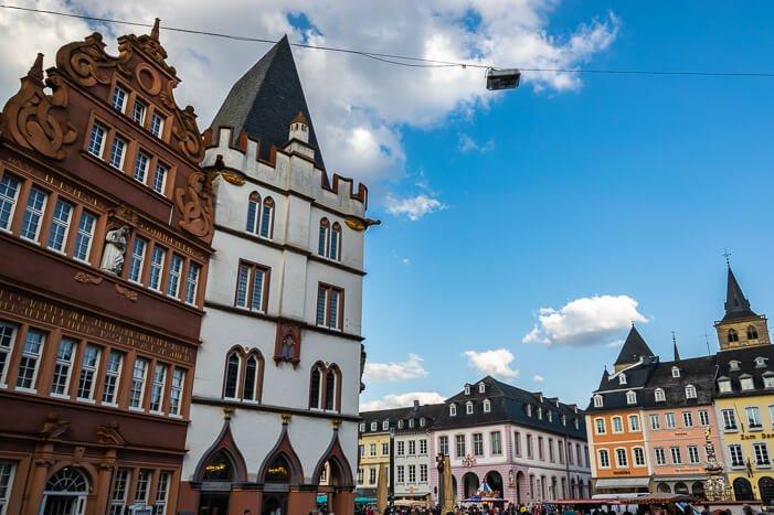 Trier Sehenswürdigkeiten - Hauptmarkt, Marktbrunnen und Marktkreuz